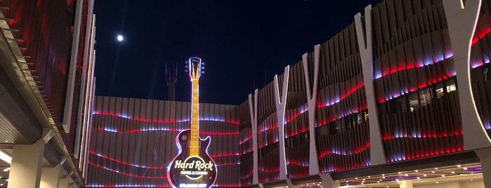 Hard Rock Hotel & Casino Atlantic City is one of สถานที่ที่ BECKY ถูกใจ.