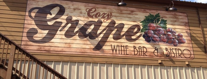 Cozy Grape Wine Bar & Bistro is one of Bar.