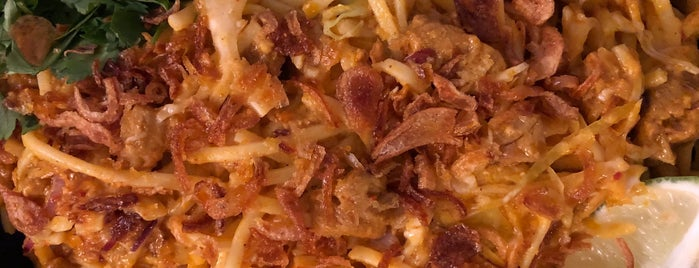Burmese Kitchen is one of Locais salvos de Zach.