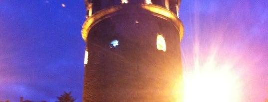 Torre de Gálata is one of Lugares favoritos de Mehmet.