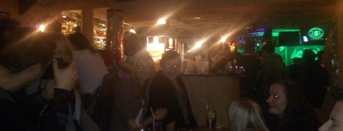 Fitzgeralds Irish Pub is one of Tempat yang Disimpan Buddy.