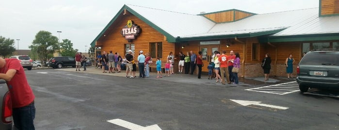 Texas Roadhouse is one of Locais curtidos por Brian.