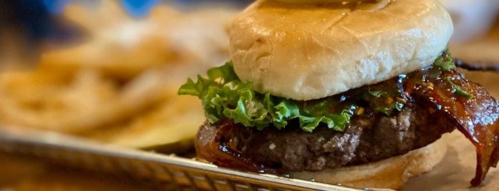 Hops Burger Bar is one of Lugares favoritos de Waleed.