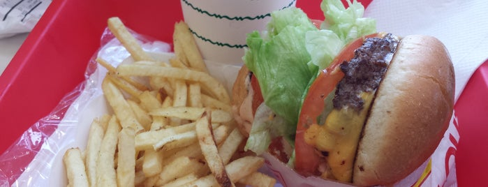In-N-Out Burger is one of Dさんのお気に入りスポット.