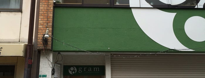 gram 日本橋店 is one of Locais curtidos por D.