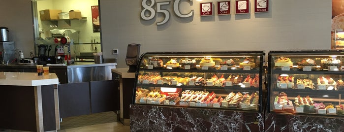 85C Bakery Cafe is one of Locais curtidos por D.