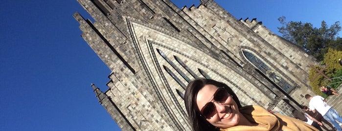 Catedral Nossa Senhora de Lourdes (Catedral de Pedra) is one of Orte, die Mariana gefallen.