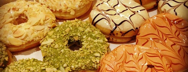 J.Co Donuts & Coffee is one of Sharlaine's Liked Places.