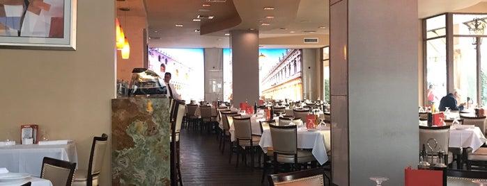 Villagio Italian Eatery is one of Orte, die Enrique gefallen.