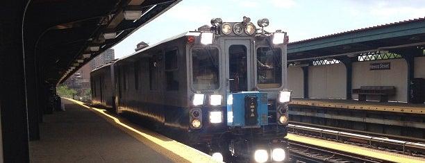 MTA Subway - Hewes St (J/M/Z) is one of Posti che sono piaciuti a Amanda.