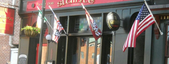 Sláinte Irish Pub is one of Addie 님이 좋아한 장소.