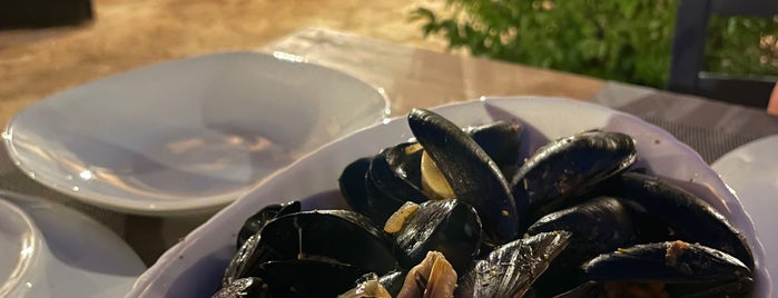 The Mussel House Restaurant is one of Oyropa.