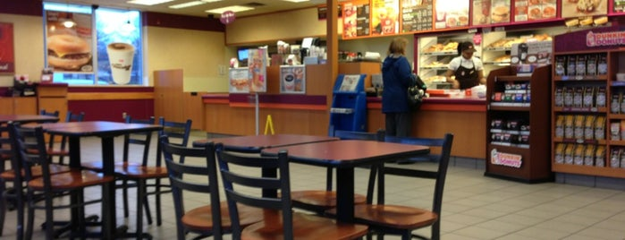 Dunkin' is one of Tempat yang Disukai Will.