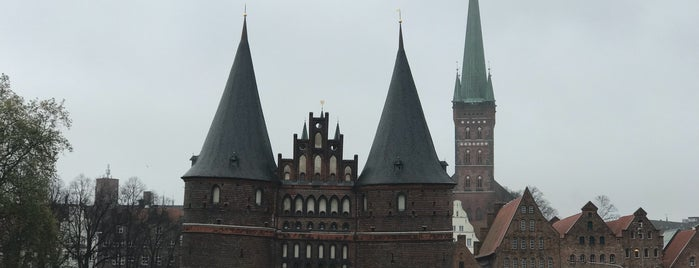 Museum Holstentor is one of Orte, die Louise gefallen.