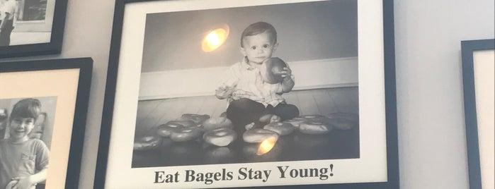 Goldberg's Bagels is one of Orte, die Emily gefallen.