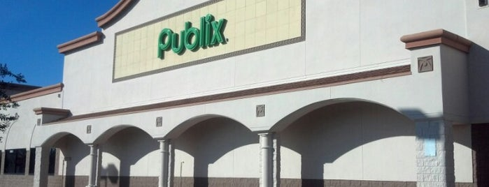 Publix is one of Lugares favoritos de Elle.