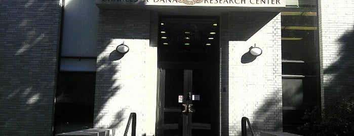 Dana Research Center is one of Lugares favoritos de Enrico.