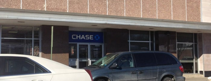 Chase Bank is one of Orte, die Red gefallen.