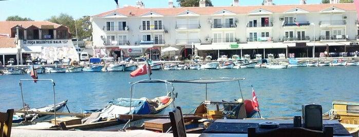 Deniz Cafe is one of Sinan'ın Beğendiği Mekanlar.