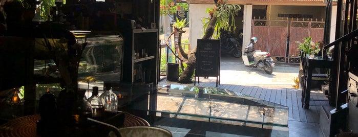 Kismet Cafè & Boutique is one of Bali.