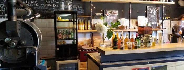 Croitoria de cafea is one of สถานที่ที่ Alina ถูกใจ.