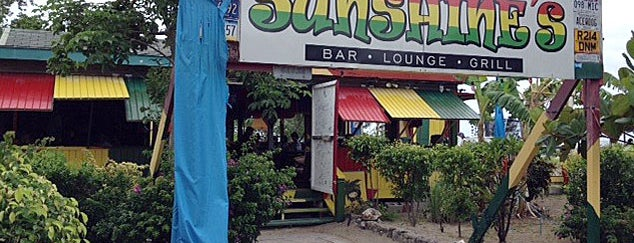 Sunshines Bar & Grill is one of Insiders' Picks.