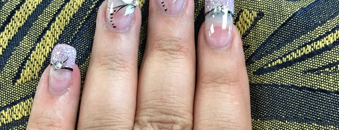 Elegant Nails is one of Lugares favoritos de Isabella.