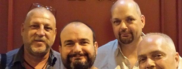 El Hombre y El Oso is one of VIAJES.