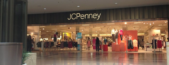 JCPenney is one of Chris'in Beğendiği Mekanlar.