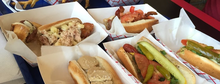 """Hot""""G""""Dog is one of Chicago."""