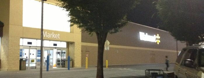 Walmart Supercenter is one of Lieux qui ont plu à SooFab.