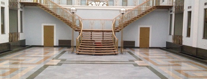 МФК «Толстой Сквер» is one of TOP-100: Торговые центры Санкт-Петербурга.