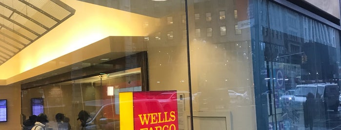 Wells Fargo is one of Lieux qui ont plu à Charles.
