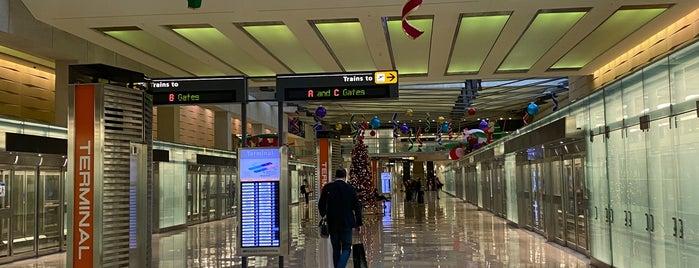 AeroTrain - Main Terminal is one of Lugares favoritos de Mike.
