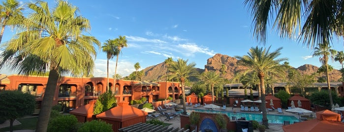 Omni Scottsdale Resort & Spa at Montelucia is one of Locais curtidos por Niku.