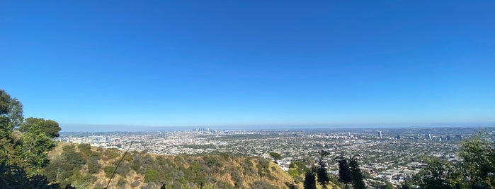 View Of West Los Angeles is one of Ahmadさんの保存済みスポット.