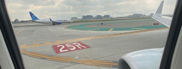 Runway 7L - 25R is one of Los Angeles CA.