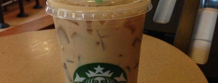 Starbucks is one of Tempat yang Disukai Matt.