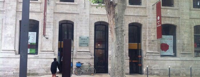 Office de Tourisme d'Avignon is one of Avignon adresses.