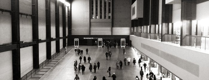 Tate Modern is one of i like london in the rain.