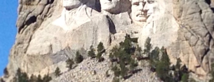 Mount Rushmore National Memorial is one of America Road Trip!.