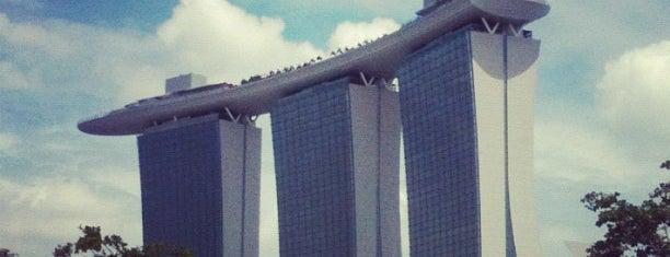マリーナ・ベイ・サンズ・ホテル is one of Singapore.