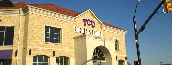 TCU Bookstore is one of Orte, die M gefallen.