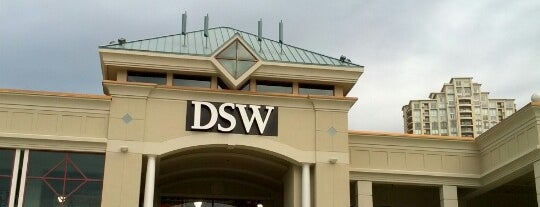 DSW Designer Shoe Warehouse is one of ATL_Hunter : понравившиеся места.