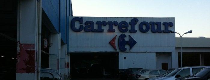 Carrefour is one of Tempat yang Disukai Christine.