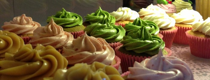 Tea Party Cupcakes is one of Locais curtidos por Natasha.