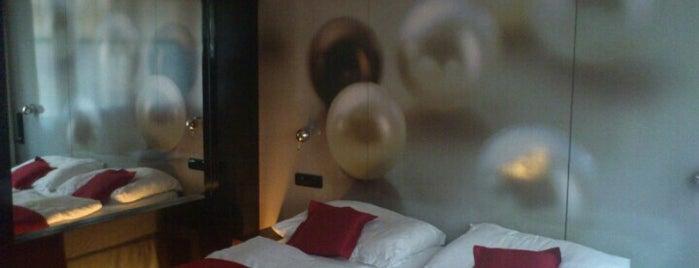 Perla Hotel is one of Posti che sono piaciuti a Juan.