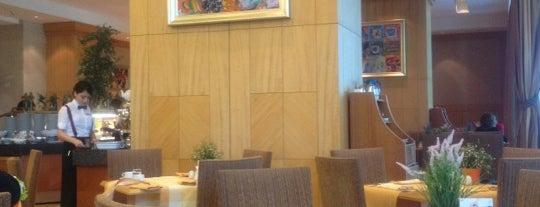 Brasserie Restaurant is one of Locais curtidos por Tülin.