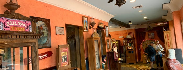 Oldest Store Museum is one of Historic Sites - Museums - Monuments - Sculptures.