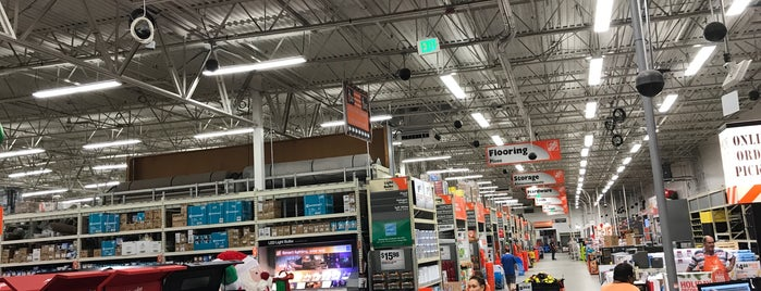 The Home Depot is one of Lieux qui ont plu à Andrii.
